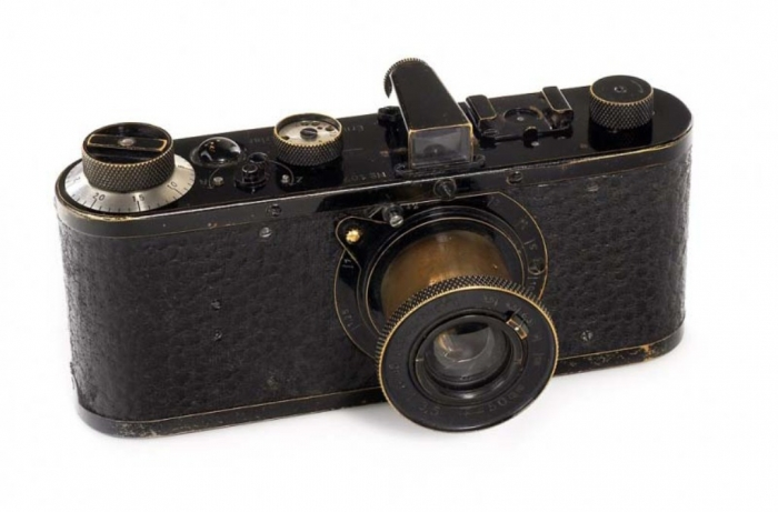 vintage-leica-camera-sold-for-record-1-9-million-usd