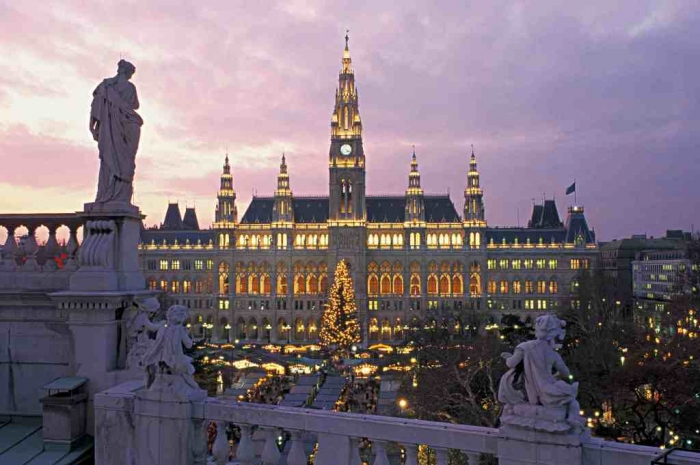 Austria-Vienna-Christmas-Markets-at-night-SML