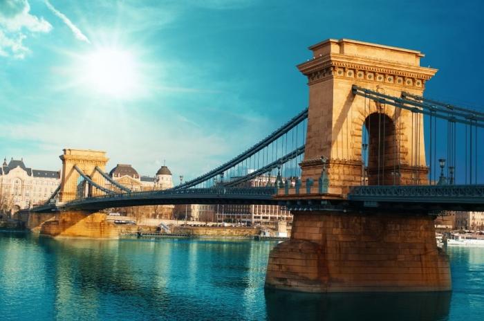 Budapest-Hungary-Chain-Bridge