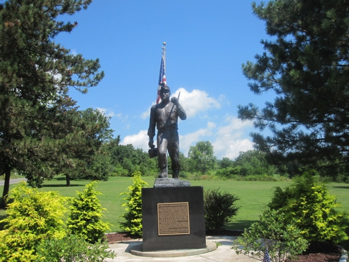 Scranton-Wilkes Barre, Pennsylvania  Statue_of_coal_miner_at_McDade_Park_in_Scranton,_PA_IMG_1593