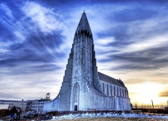 Sunrise-in-Reykjavik1
