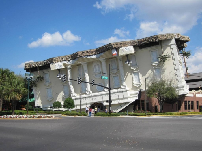 WonderWorks_(Orlando,_Florida)_001