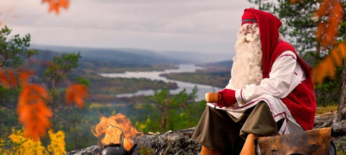 santa-claus-in-autumnn-colours
