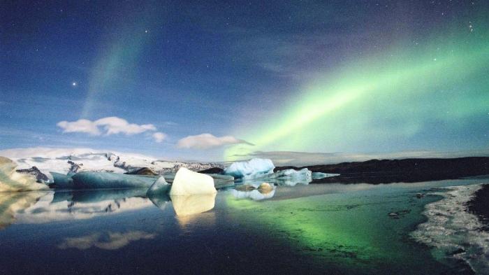 Finland Northern-Lights-Lake