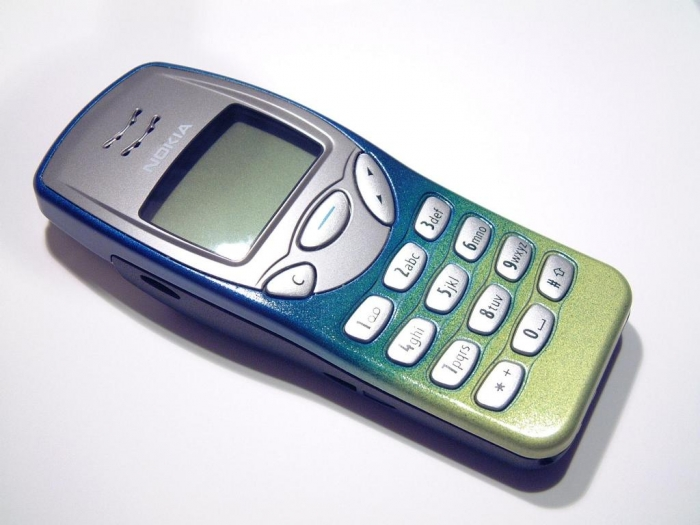 Nokia 3210.