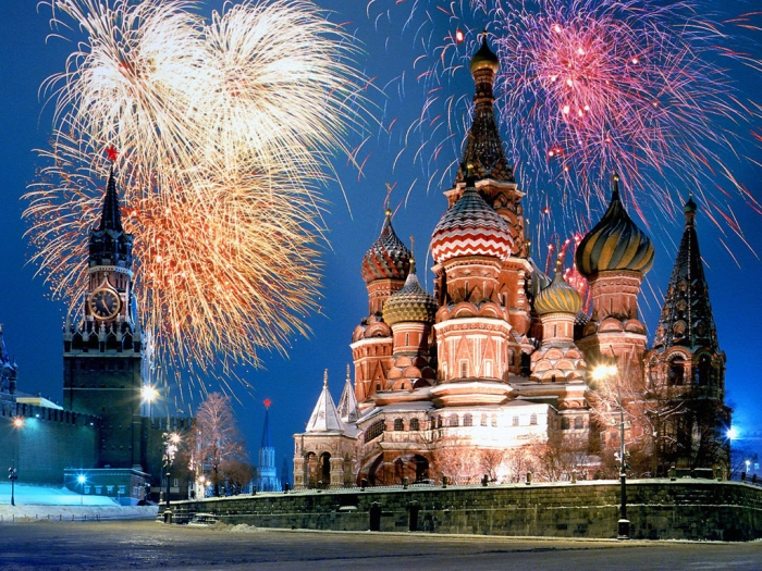 kremlin_and_red_square_fireworks_moscow_russia