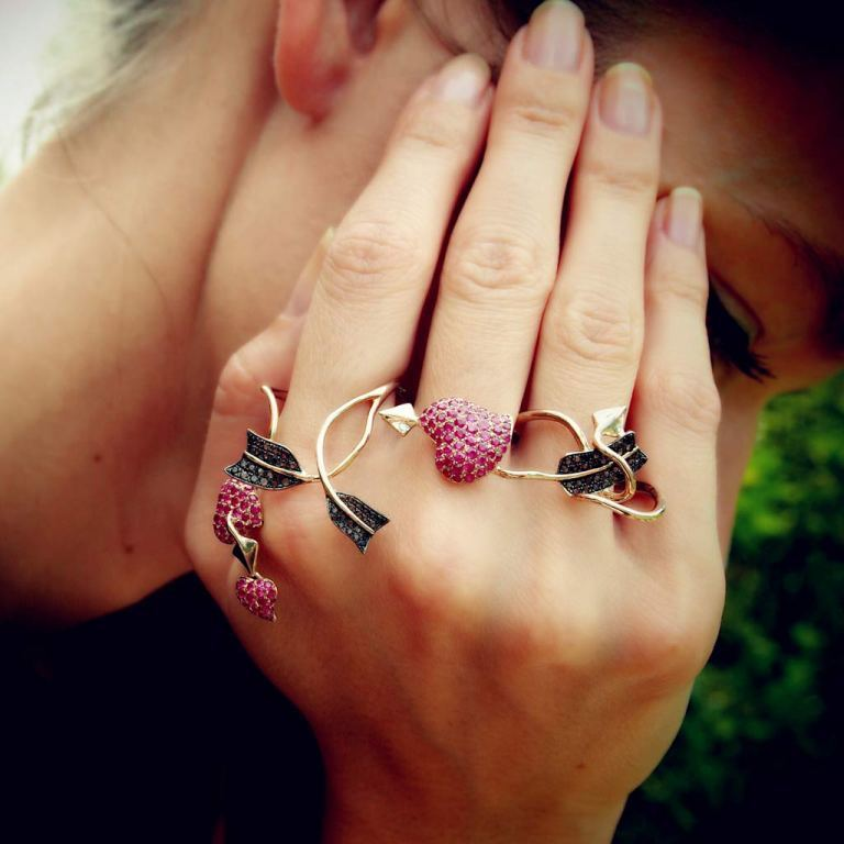 What Are Those Rings Called That Cover Your Whole Finger