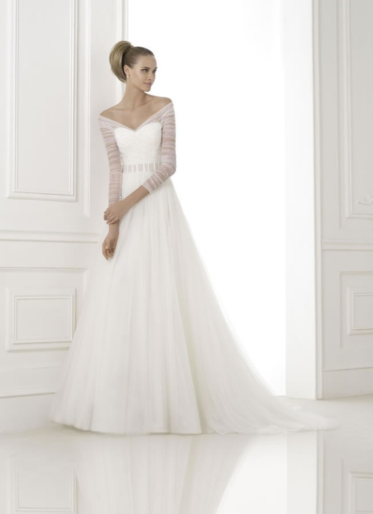 17-of-the-best-wedding-dresses-with-sleeves-pronovias-2015-collection-preview-BERILA