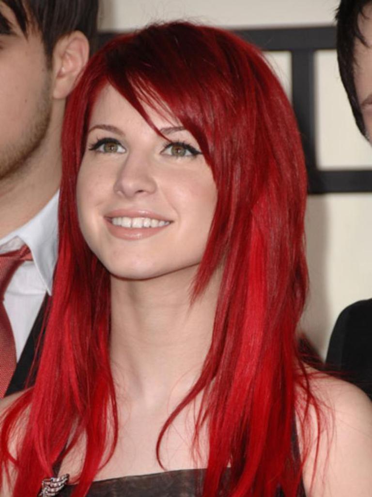 2-Girls-Bright-Red-Hair-Photos