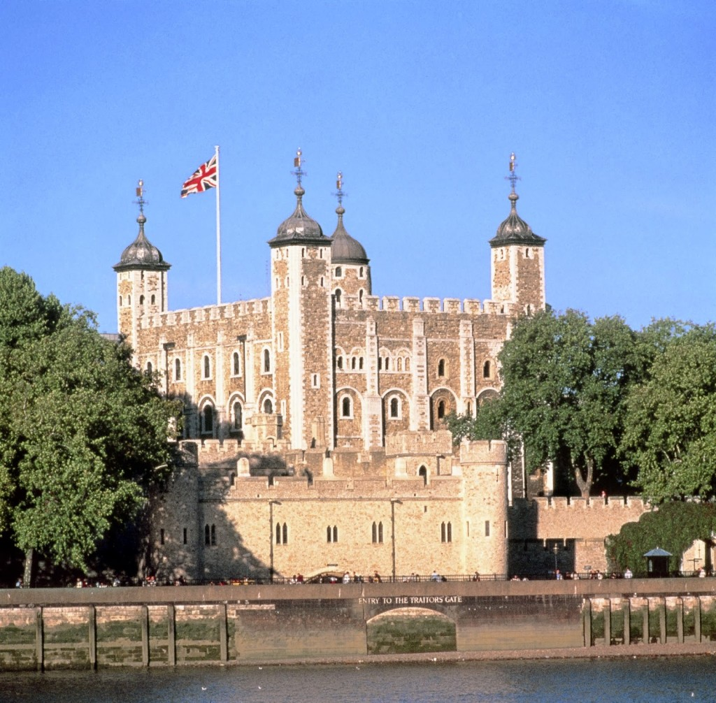 Places To Travel In Uk: Top Ten Places To Visit In England