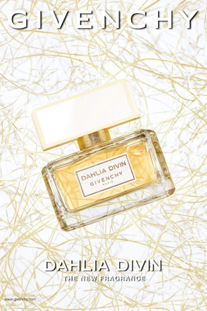 Alicia-Keys_Givenchy-Dhalia-Fragrance_02