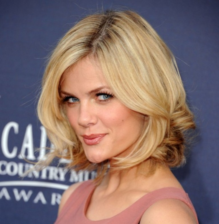 Brooklyn-Decker-Short-Bob-Haircut