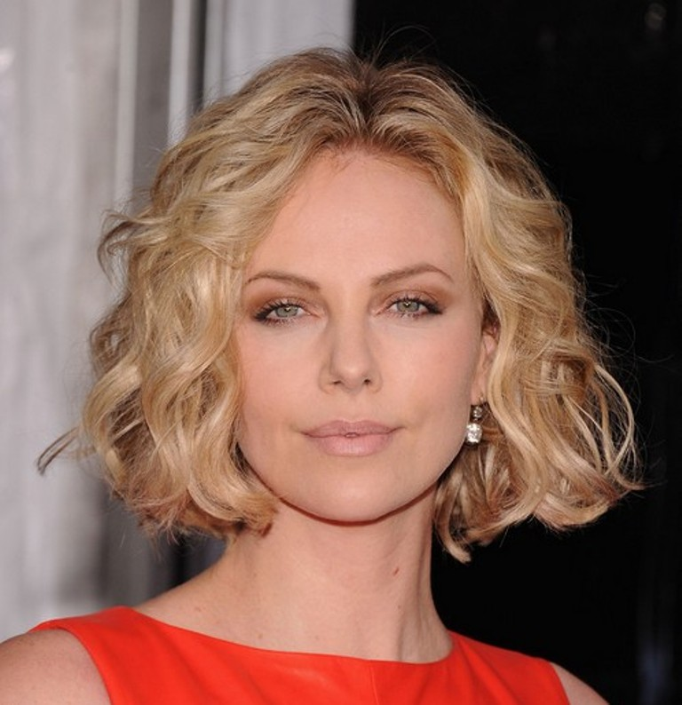 Charlize-Theron-short-curly-bob-hairstyle
