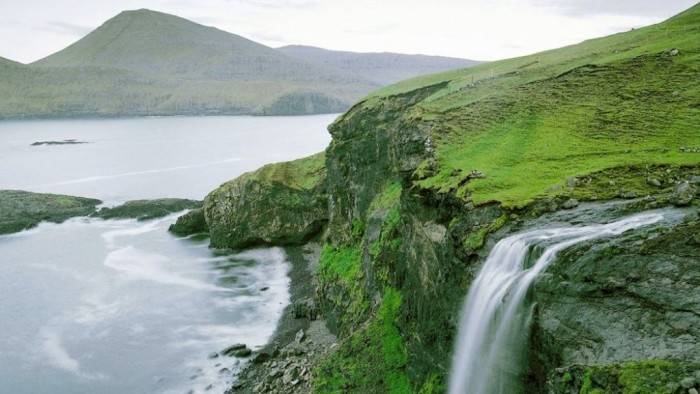 Faroe-Island-Waterfall