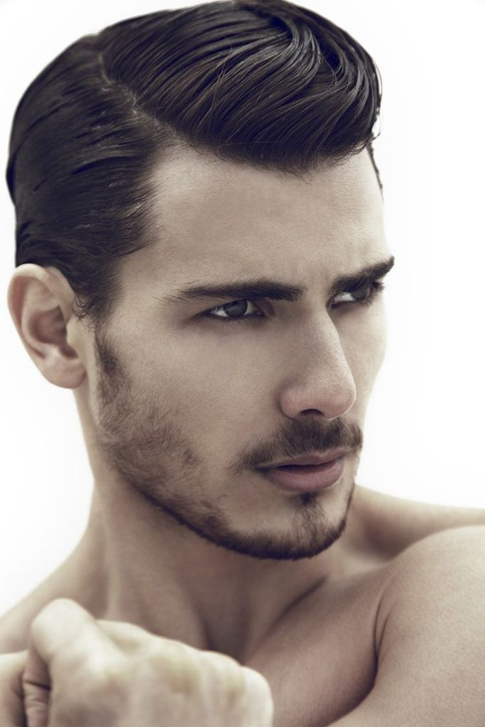 Hairstyle-trends-for-men-2014-2015-side-parted-gentlement-classy-look-5