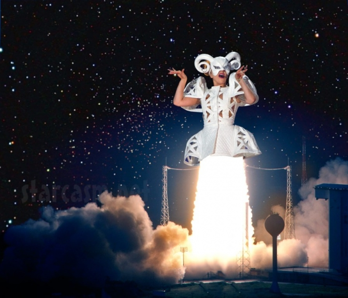 Lady_Gaga_space_rocket