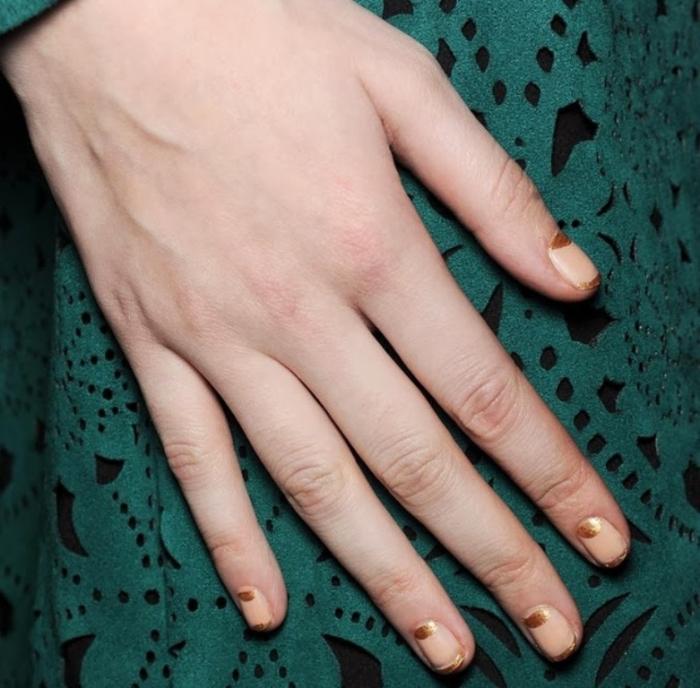 Metallic-golden-nails-New-York-Fashion-Week-Fall-2014-2015-Suno-Tadashi-Shoji (2)