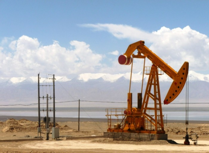 Oil_well_in_Tsaidam