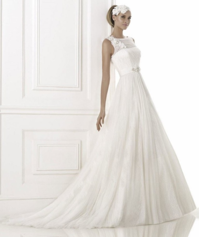 bermellon-tulle-flower-shoulder-wedding-dress-2015-fashion-pronovia-610x724