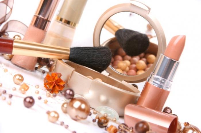 cosmetic-makeup-1