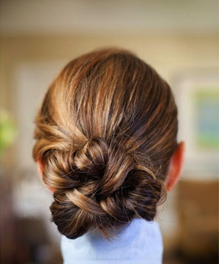knotted-bun-hairstyle-for-easy-updos-to-wear-to-work