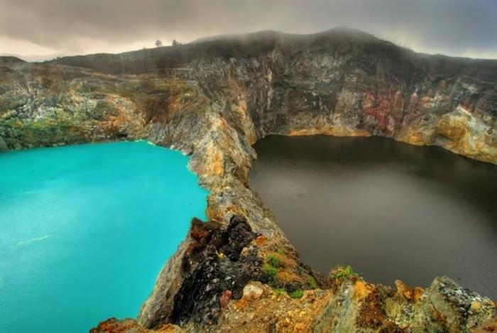 lake-kelimutu-flores-indonesia-photo-1