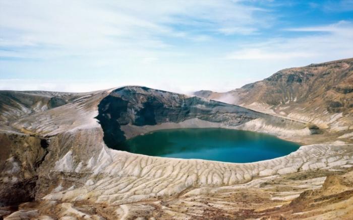 okama-crater-lake-japan-3448