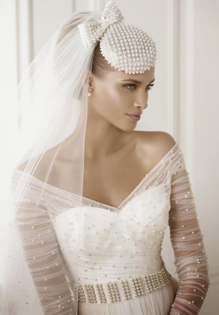 pronovias-2015-wedding-dresses-BERILA_D-1_dgrjqz