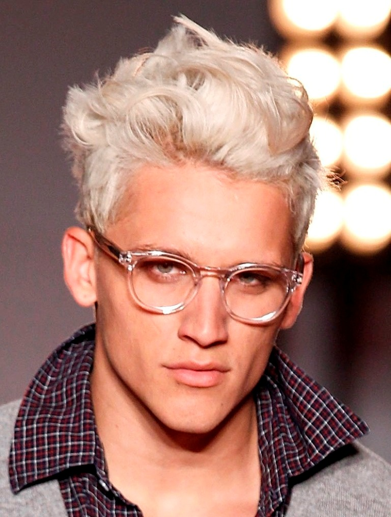 short-messy-blonde-hairstyles-for-menmessy-yet-stylish-hairstyles-for-men-m4m7awf3