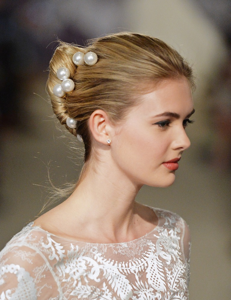 spring-2015-bridal-collection-carolina-herrera-show-1