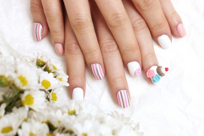 vertical-stripe-nail-sticker