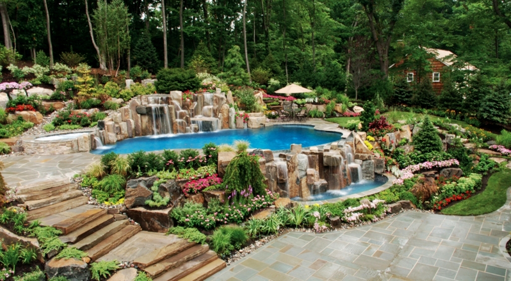 14990__Backyard-Landscaping-Inspiration-Pack-Swimming-Pools-10
