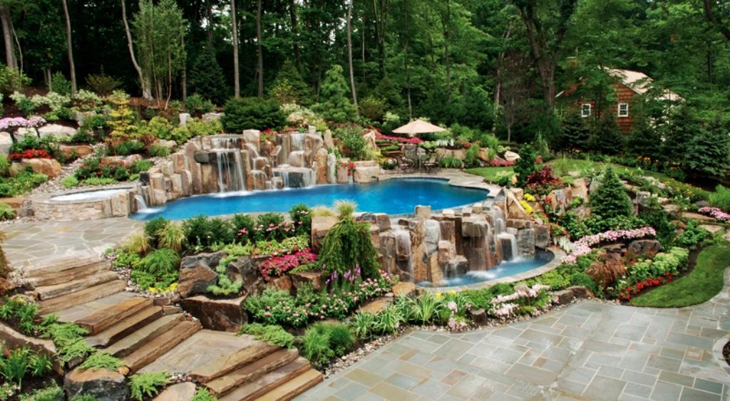 14990__Backyard-Landscaping-Inspiration-Pack-Swimming-Pools-10
