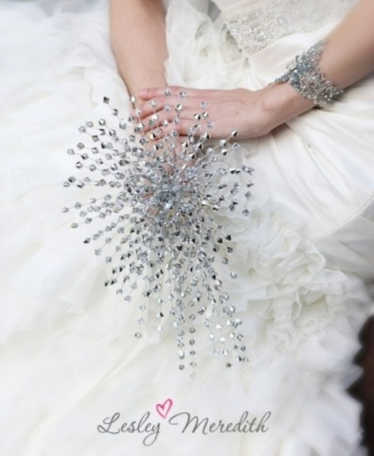 40-unique-and-non-traditional-wedding-bouquets-7