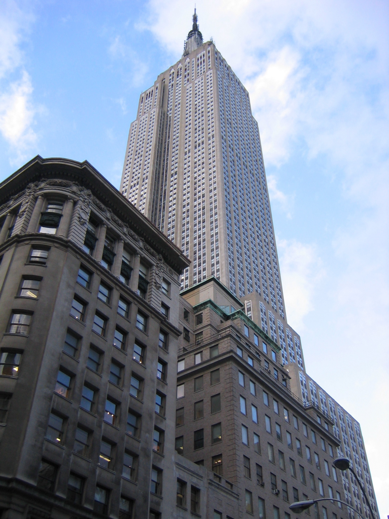 Empire State Building: Top 10 Most Famous Buildings Around The World