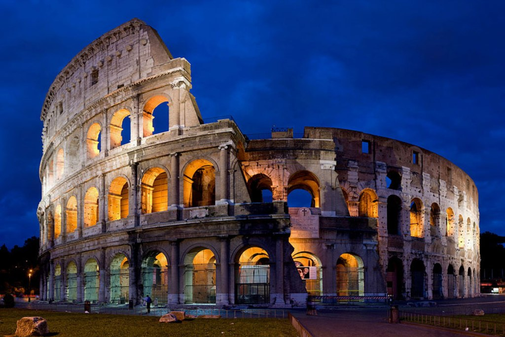 A-view-of-the-Colosseum-at-dusk
