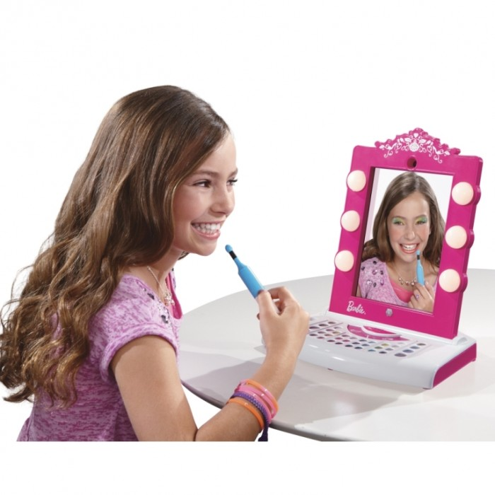 Barbie Digital Makeover Mirror.