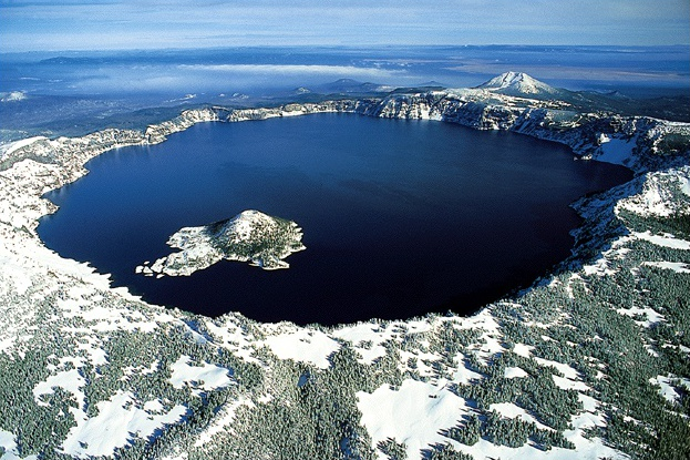 Photo of Top 10 Most Beautiful Lakes Around The World