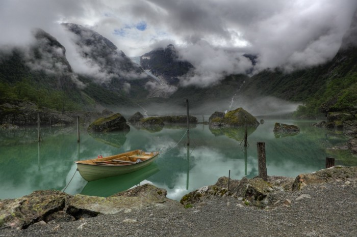 Lake_Bondhus_Norway