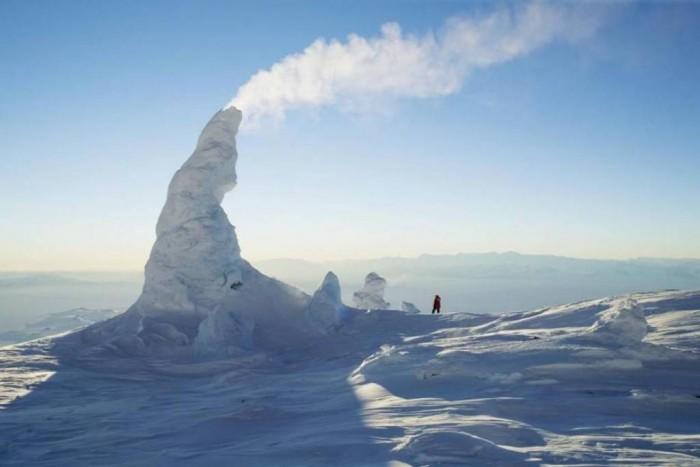Snow Chimney, Arctic Areas