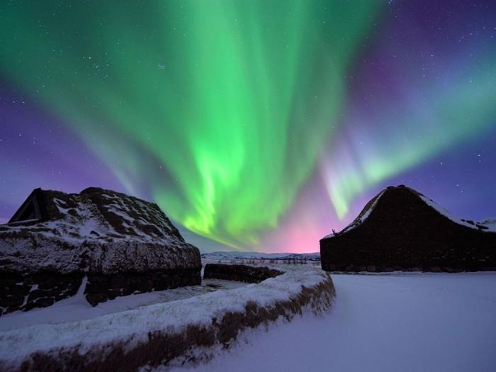 iceland-aurora-borealis_49226_990x742