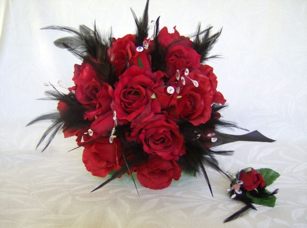import-wedding-bouquet-feather-bouquet-red-roses-black-feathers-crystal-gems-bridal-bouquet-and-boutonniere-set-c0602ca2e23f3fd1943490115e4c3e5b