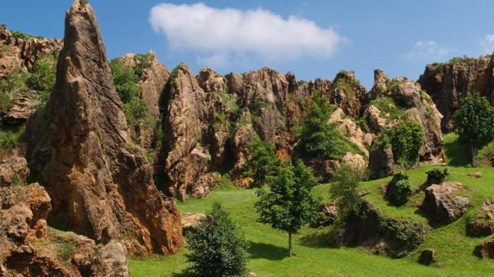 natural-cabarceno-park-cantabria-spain-nature