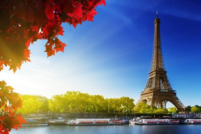 wallpaper-of-paris-france-in-the-spring