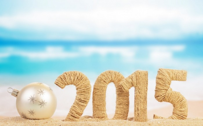 Beach-Christmas-Baubles-2015-Happy-New-Year-Images