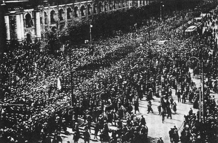 bolshevik revolution On the 100th anniversary of the russian revolution, historians sheila fitzpatrick  and catherine merridale detail the events that led up to the.