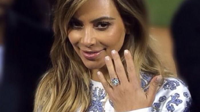 HT_kim_kardashian_engagement_ring_jef_131023_16x9_992