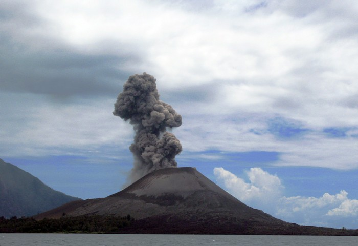 - Krakatoa (Krakatau), Indonesia