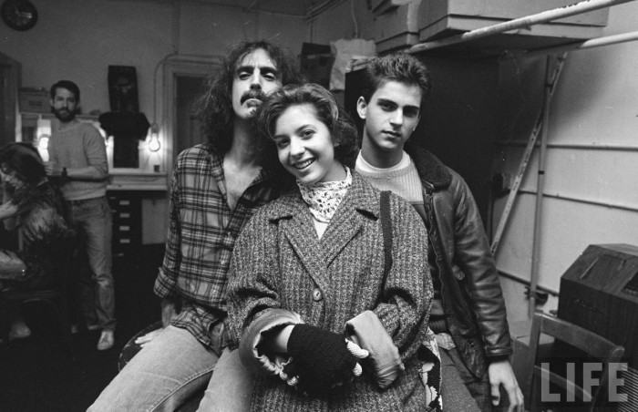 art_music_rock_frank_zappa_1940_1993_pic_zappa_frank_2_children