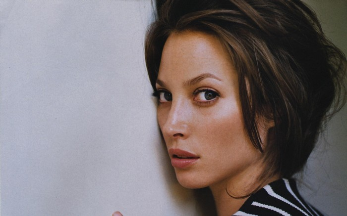 christy_turlington_1920_1200_jan062010